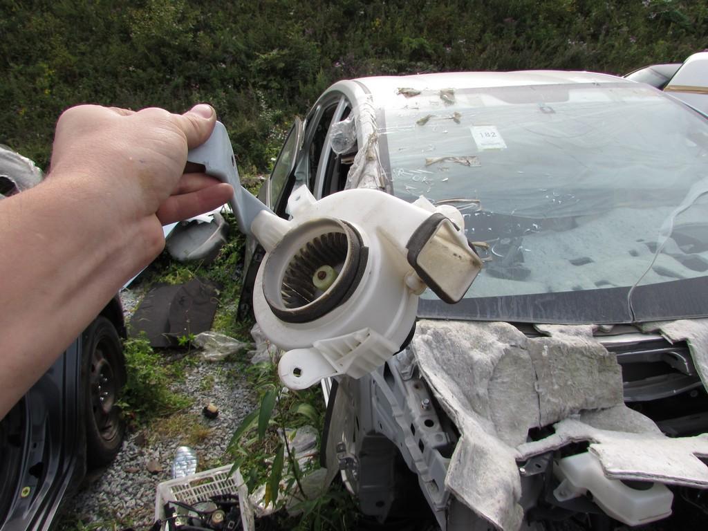 Toyota Prius 20 - исправный вентилятор