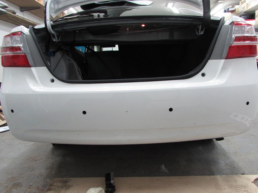 Установка парктроника на Toyota Premio