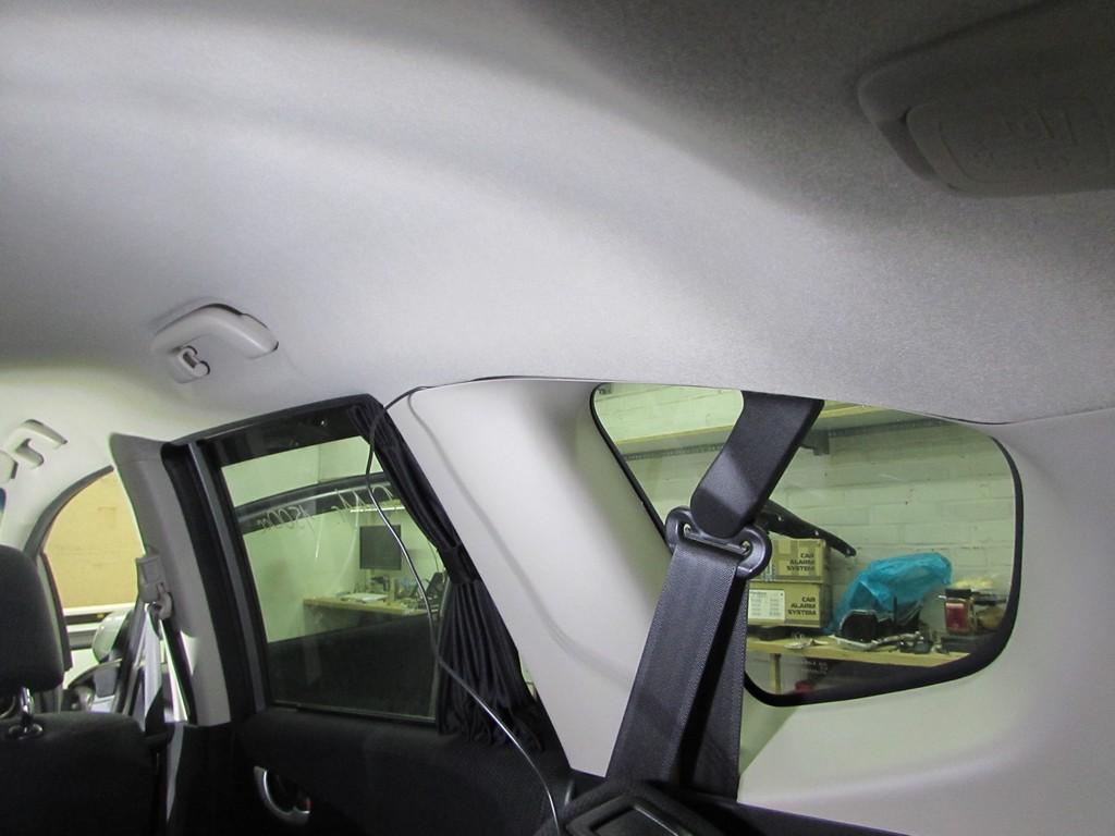 Камера заднего хода на Honda Fit